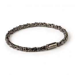 Pirata Silver Skull Link Bracelet with Ruthenium Black Finish
