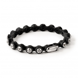 Pirata Black Leather Bracelet with Silver Skulls